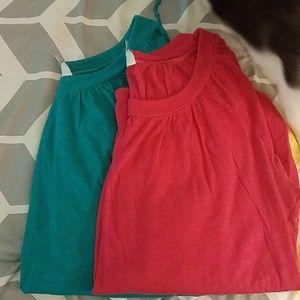 2 women's xl shirts lot